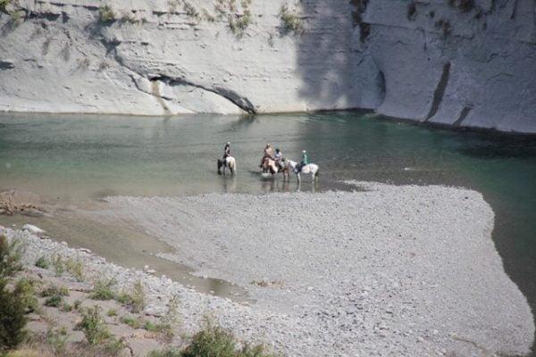 lodge to lodge overnight horse trek