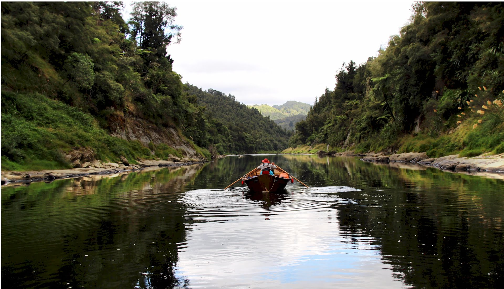 wooden dory trip on the whanganui river