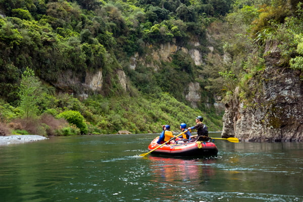 scenic rafting trip on the rangitikei river, new zealand