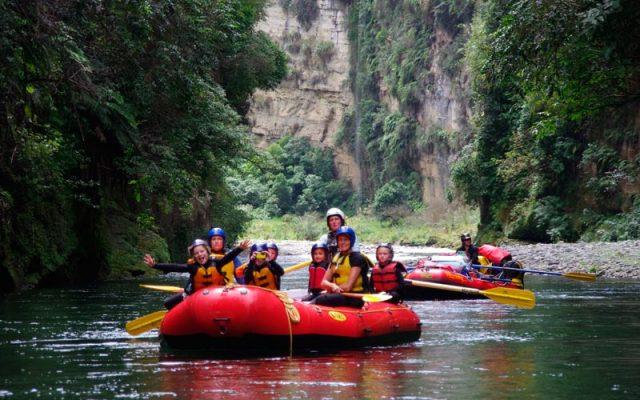 school multiday rafting trip, kids in nature