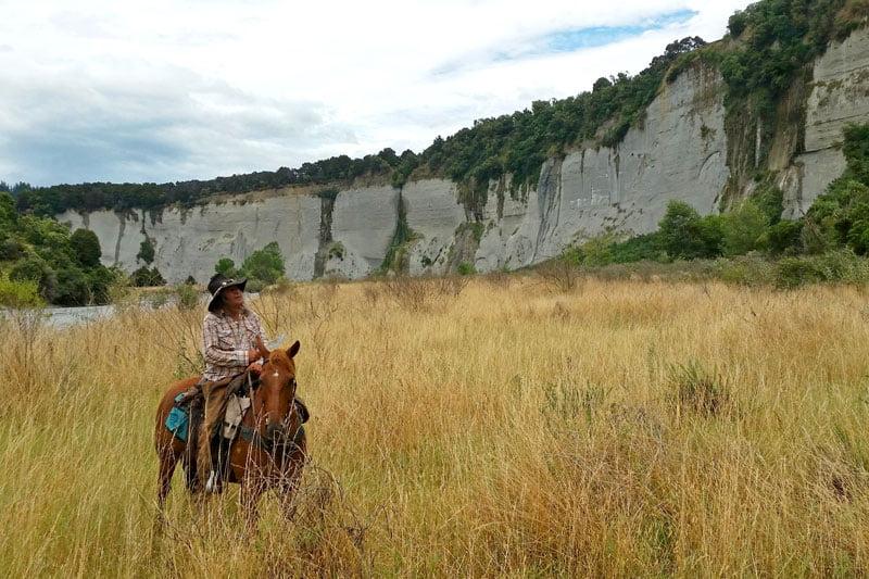 tommy waara horse trekking guide