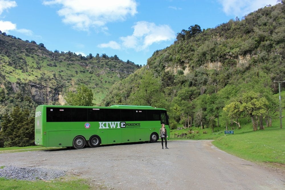 River Valley, Kiwi Experience and Relationships